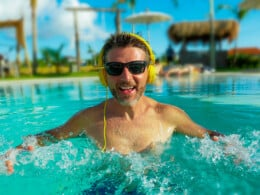 best-waterproof-headphones-for-swimming