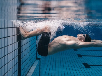how-to-do-a-flip-turn-in-swimming