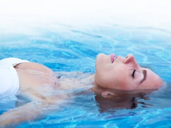 how-to-float-in-water