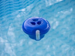 best-floating-pool-chlorine-dispensers