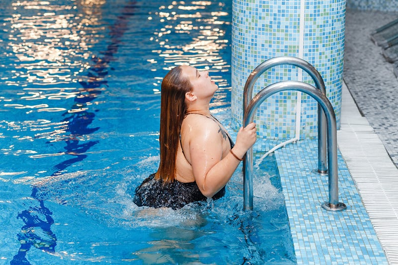 protect hair from chlorine