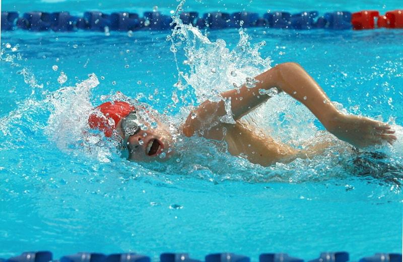 freestyle swimming stroke